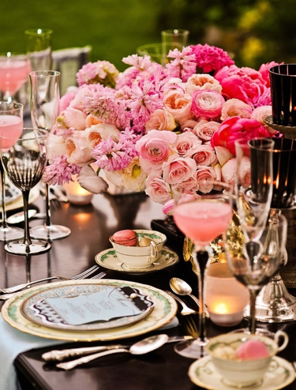 Victorina-wedding-themed-reception-table-decor