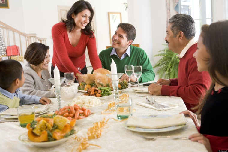 o-FAMILY-CHRISTMAS-DINNER-facebook