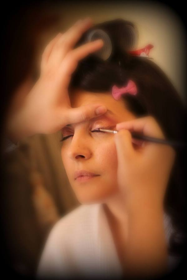 The Blushing Airbrushing Bride