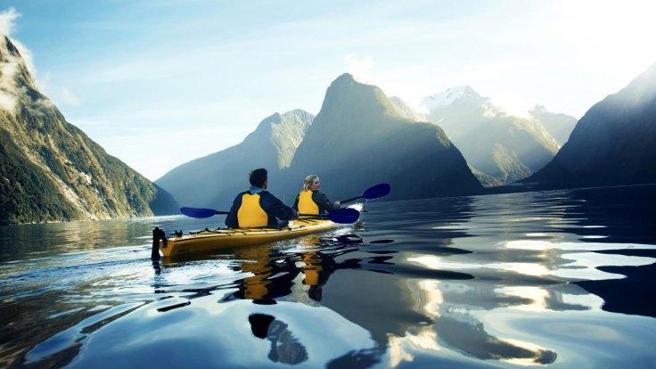 home-new-zealand-kayaking-milford-sound-fiordland-2000x1125